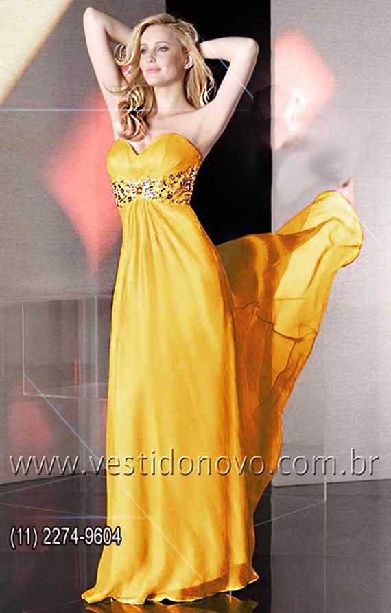 Vestido curto amarelo plus size